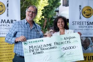 Mike Scholtz (Masizame Chairman), Melanie Burke (StreetSmart SA Chairman) hr