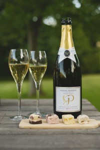 Grande Provence Brut with delicious sweet morsels HR