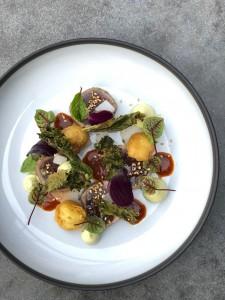 Yellowfin tuna tataki, daikon, braaied jalapeno dressing, avocado LR